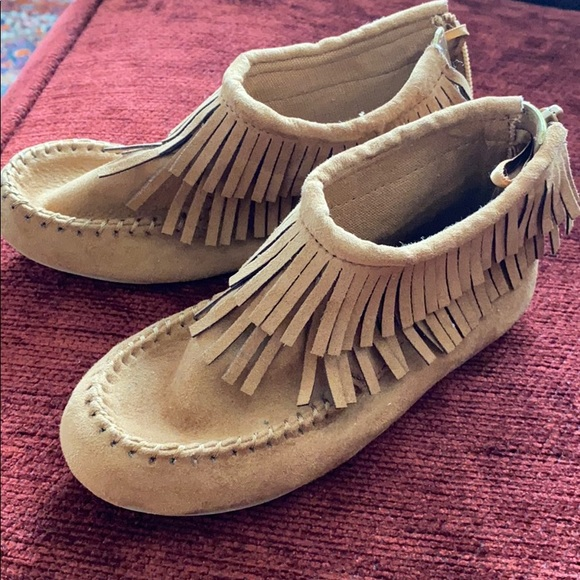 BRAND NEW Tan zip up moccasins